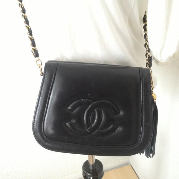 CHANEL Handbags - Vintage Chanel double flap side shoulder purse 8901319767bb4