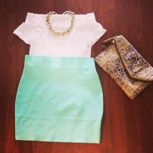 e187db90fb2cdd She Boutique's Closet (@sheboutique) | Poshmark