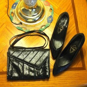 FINAL SALEVtg black genuine snakeskin clutch