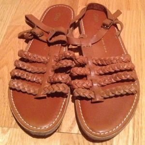 Sale from $20 💝 Gap braided leather sandals