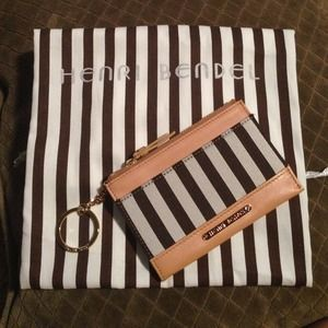 Henri Bendel  Clutches & Wallets - Henri Bendel classic coin purse wallet & dust bag