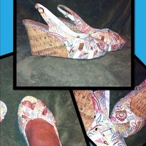 NWT SO CUTE  size 9 wedges / heels