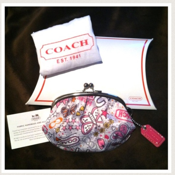Coach Clutches & Wallets - 🎉 HOST PICK 🎉 Coach Poppy Change Purse