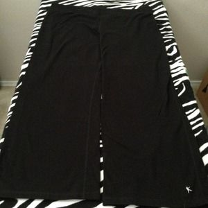 Danskin Now Pants - Black workout / yoga pants.
