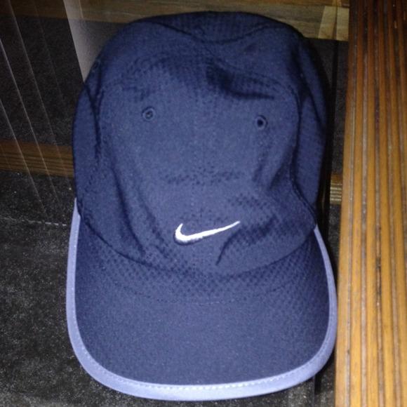 Nike workout hat. M 52658dbb52ab067d7b07cca9 ed18f90ae36