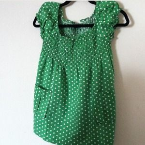 NWOT  green polka dot