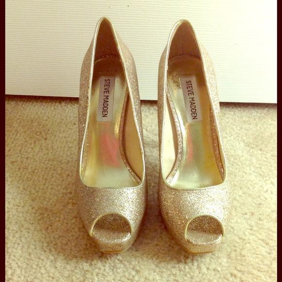 Celebridad perturbación esfuerzo  Steve Madden Shoes | Gold Glitter Peep Toe Pumps | Poshmark