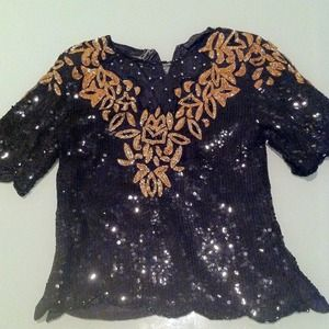 Tops - Black and gold sequins top!