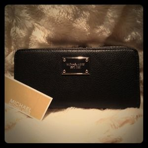 ✨NEW✨Michael Kors Wallet