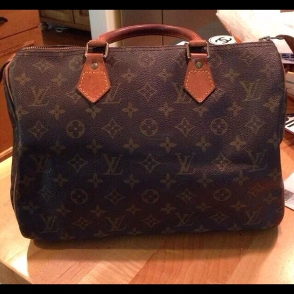 Louis Vuitton Handbags - Authentic Louis Vuitton Speedy 30