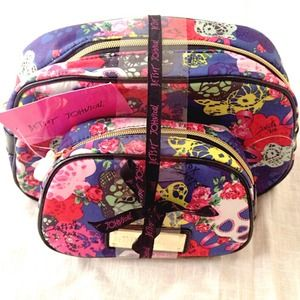 🌹Betsy Johnson  Masquerade Skull Cosmetic Bag Set