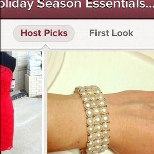 Jewelry - 🎉2x Host pick!🎉Pearl bracelet
