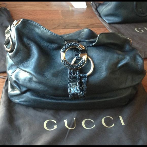 90ca9cbb39f GUCCI pebble leather G wave shoulder bag. NWT