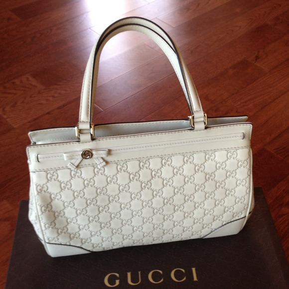 b746ff8ce6d    SOLD   GUCCI Mayfair medium guccissima tote