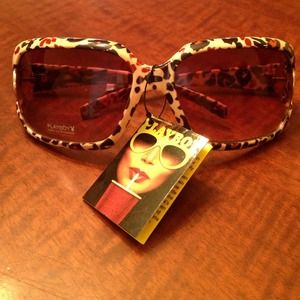 Playboy Accessories - ❌SOLD❌💋 Playboy Leopard Print Sunglasses