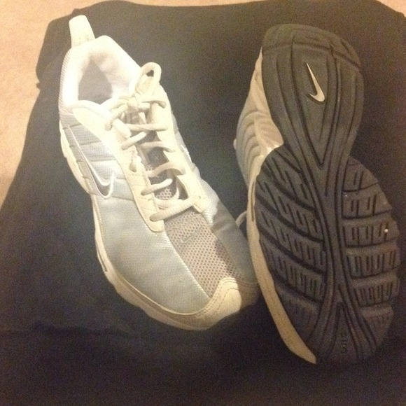 Nike Rolling Rail Walking Shoes