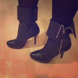 Shoes - Boutique Black Stiletto zip boots