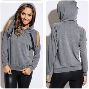 Sweaters - Sweater with open shoulder