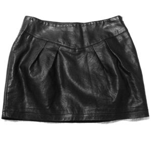 Chic Leather Mini Skirt