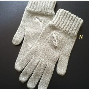 HOLD NWOT  Silver PUMA gloves