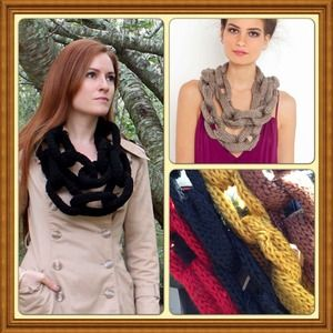 Host pickChain scarf red black brown mustard