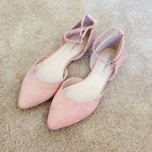 Shoes - BNWB Blush Ankle Strap Flats