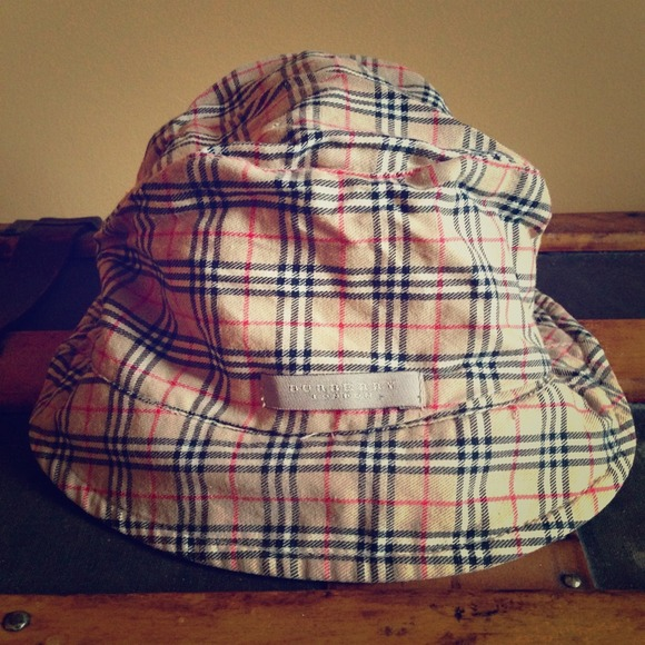 12a13cdff5f Burberry Accessories - Authentic Burberry nova check bucket hat