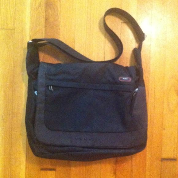 """SALE $14 off!! Tumi """"flow"""" messenger / laptop bag"""