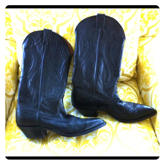 1926975de64 COWBOY BOOTS - Authentic NOCONA BOOTS - Sexy Black