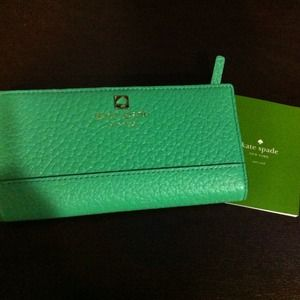 PM EDITORS PICK! New Kate Spade leather wallet NWT