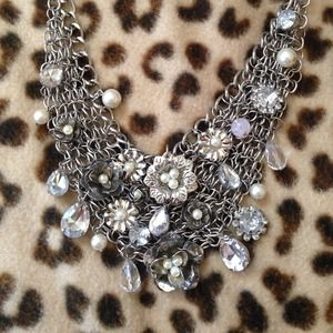 Flower  & Rhinestone statement necklace