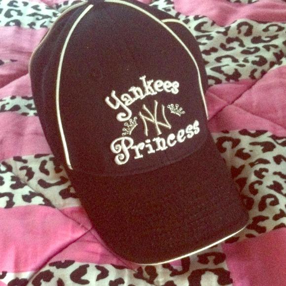 12b91461cea NY Yankees Princess baseball cap. M 526c2675abe75c62a90186a3