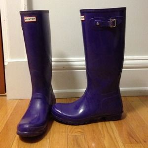 Size 10 purple Hunter high gloss rain boots