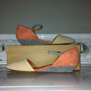 Madewell suede simple closed mini wedge