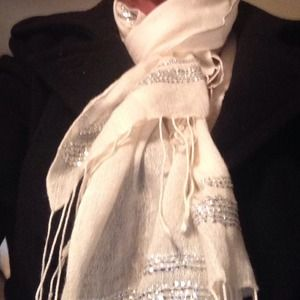 Gap bling fringe scarf
