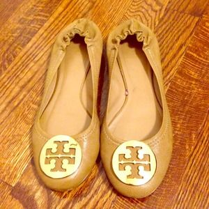 Tory Burch Shoes - For @lckaykay Tory Burch Reva Flats