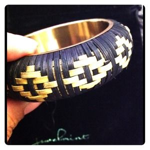 Jewelmint Jewelry - Manta Woven Bangle