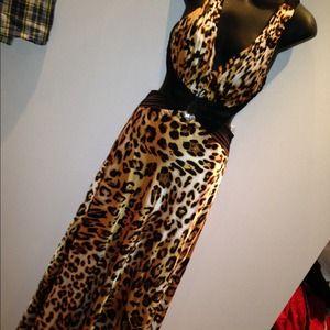 Dresses & Skirts - Leopard/cheetah print dress
