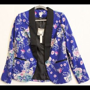 NWT Lauren Conrad Boyfriend Style Floral Jacket