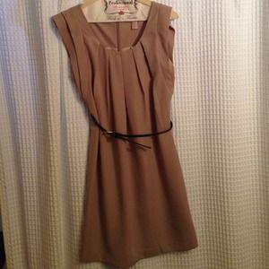 Dresses & Skirts - New taupe dress