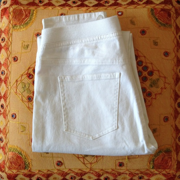 Uniqlo White Pants Uniqlo Pants