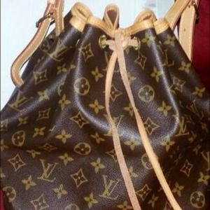 Authentic Louis Vuitton Monogram Canvas Petit Noe