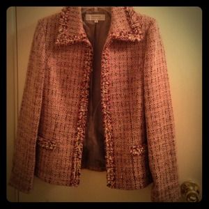 HOST PICK 11-19 Tahari tweed Jacket Size 4