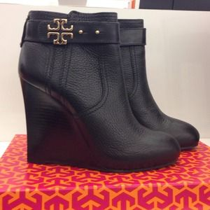 Never worn Tory Burch black leather bootie