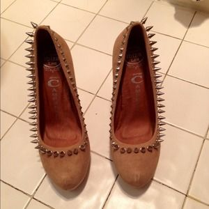 Jeffrey Campbell nude spike suede pump