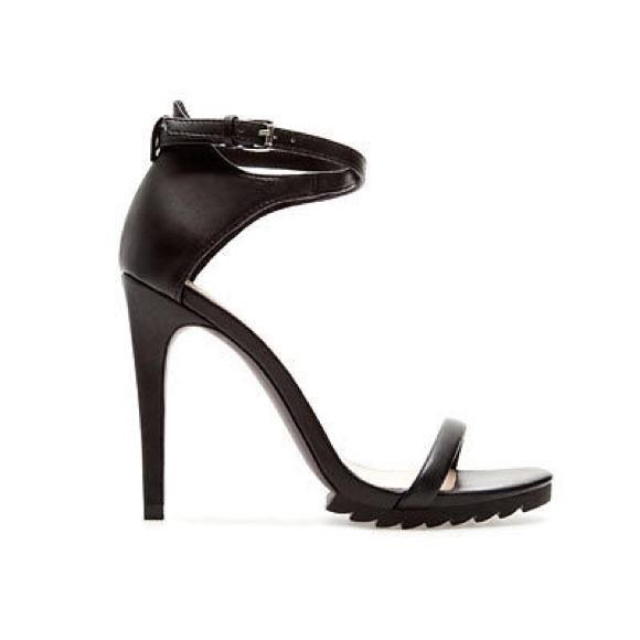 d66abcc84b6 ❤️HOST PICK❤️Zara trf blk ankle strap sandal heels