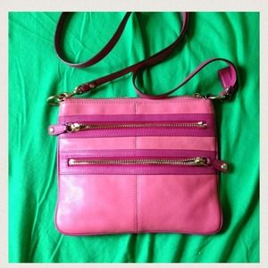 Coach Handbags - Coach Crossbody Bag 🎀