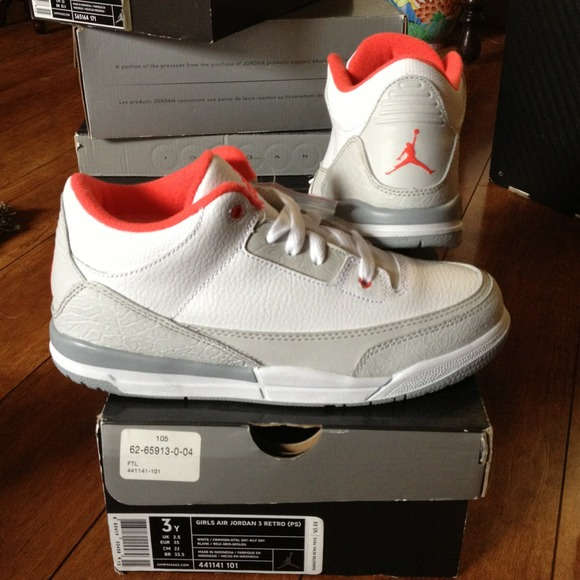finest selection 958ce 10696 DS 2010 Girls Jordan 3 Retro (PS) size 3y NWT