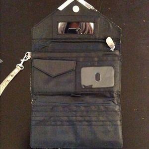 Bags - Gorgeous Snakeskin Clutch/ Wallet
