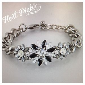 Jewelry - Black & clear blk nickel Shourouk flower bracelet